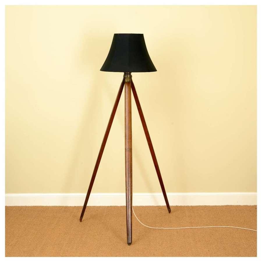Folding mahogany tripod lamp