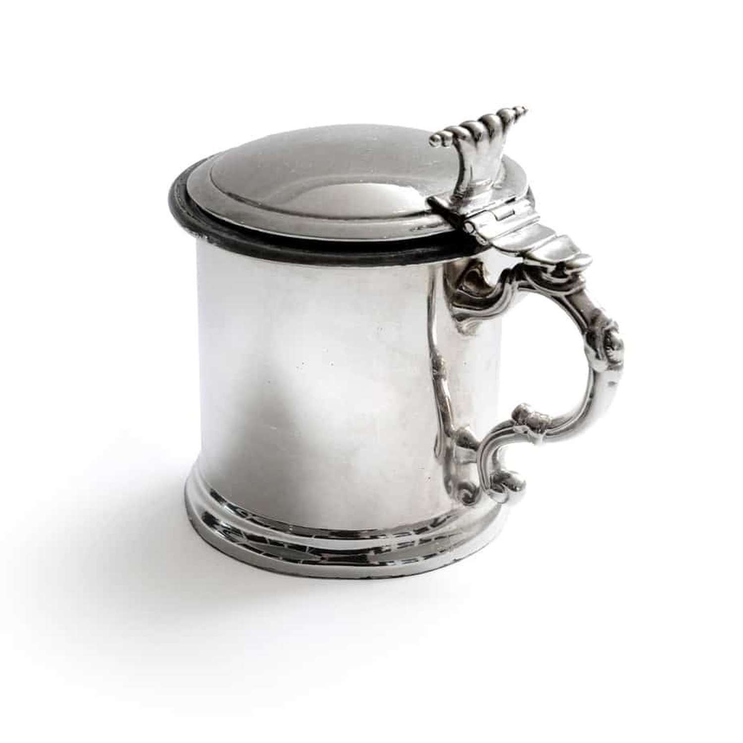 An electroplated mustard pot of cylindrical design