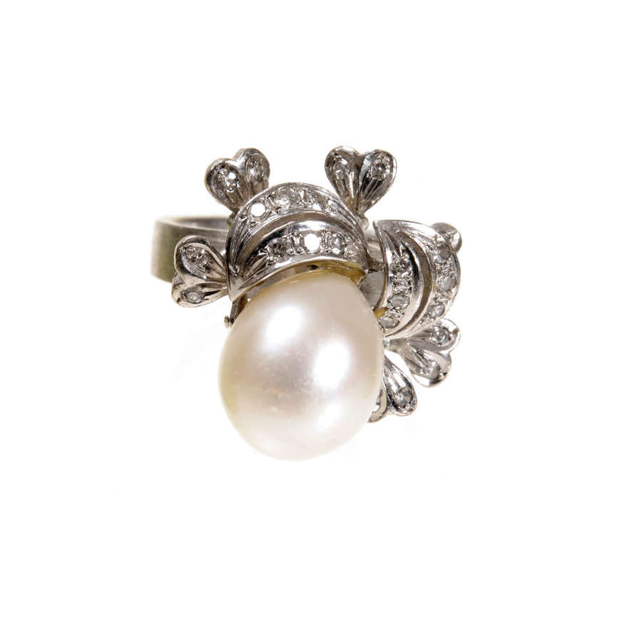 Cultured pearl and diamond ring