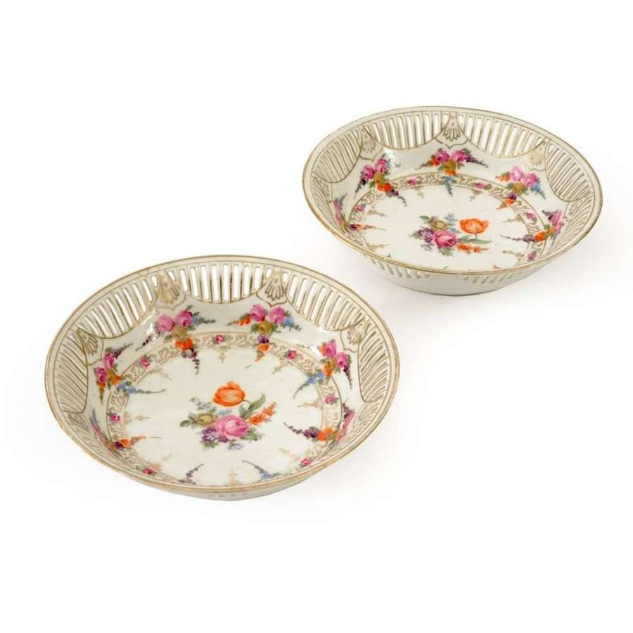 Pair of early 20th Century Continental porcelain hand painted dishes